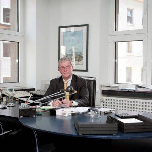 Mittwoch, 11. Oktober 2006 - Dieter Mahlmann, Direktor, Mitglied der Geschäftsleitung Commerbank AG Dortmund. Foto: Michael Printz / PRINTZ.NET Archivnummer: 20061011-1003030