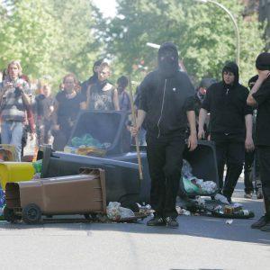 Dienstag, 1. Mai 2007 - Demonstrative Aktionen zum 1. Mai / Rechte, Rechtsradikale / Linke, Linksautonome Foto: Michael Printz / PRINTZ.NET Archivnummer: 2007-05-01-0102-102