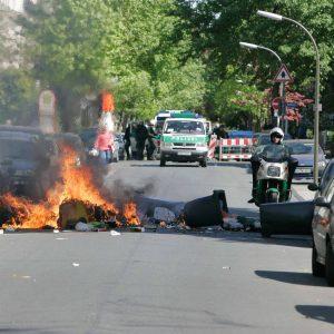 Dienstag, 1. Mai 2007 - Demonstrative Aktionen zum 1. Mai / Rechte, Rechtsradikale / Linke, Linksautonome Foto: Michael Printz / PRINTZ.NET Archivnummer: 2007-05-01-0119-119